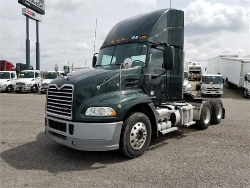 2013 MACK PINNACLE CXU613 6028618485